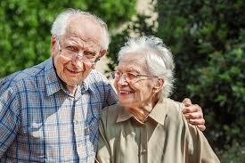 Couple personnes âgées
